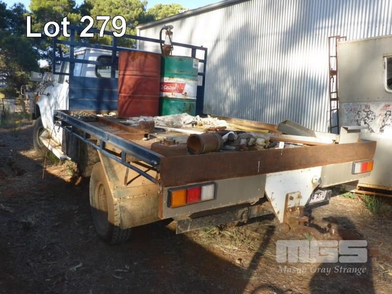 DODGE D4N DUAL CAB TRAY TRUCK 4x4 - Contractors Workshop