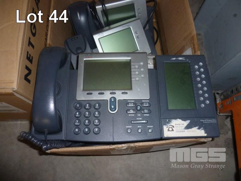 8 x CISCO 7961 IP PHONES WITH POWER SUPPLIES - Computers